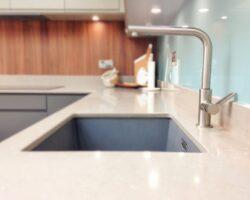 Kingsley Lane side view kitchen sink faucet