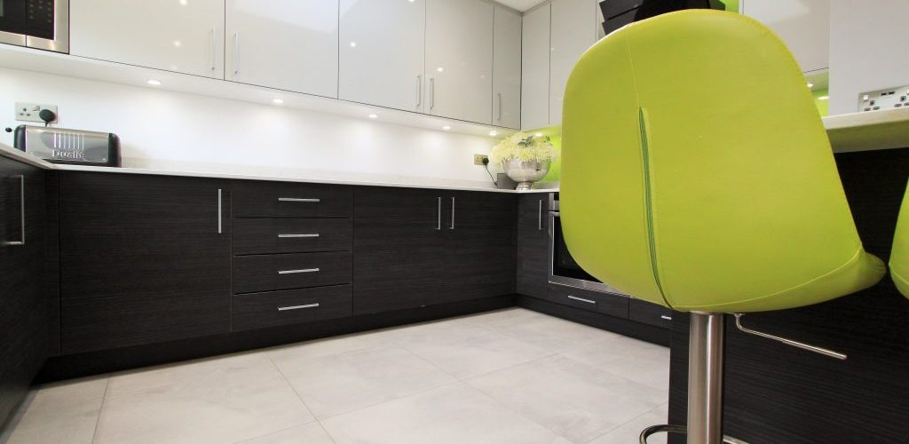 Woodford Avenue white kitchen design