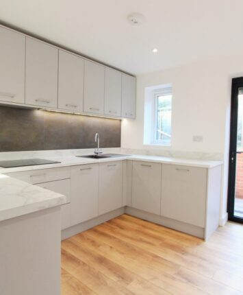 Southend Road simple kitchen cabinet design