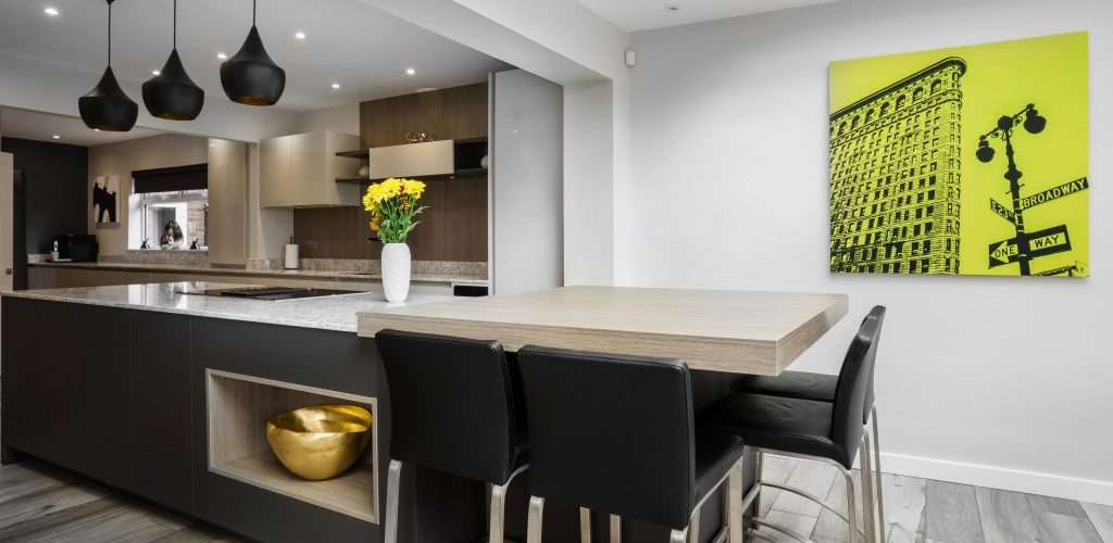 Wansunt Road kitchen design with black high chairs