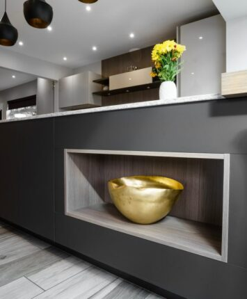 Wansunt Road granite and grey kitchen island