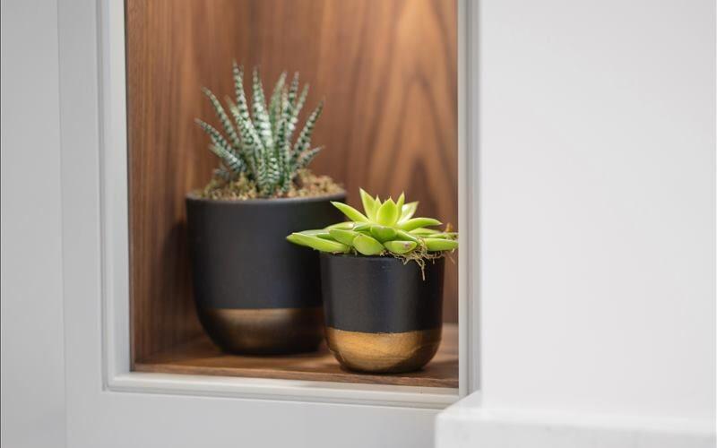 Weare Giffard kitchen side flower pot